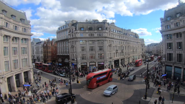 Time-lapse-of-Oxford-Street-London