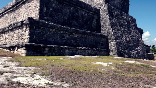 Mayan-Ruins---Stone-Monolith-Closeup