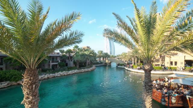 dubai-tourist-gulf-4k-time-lapse-with-hotel-view