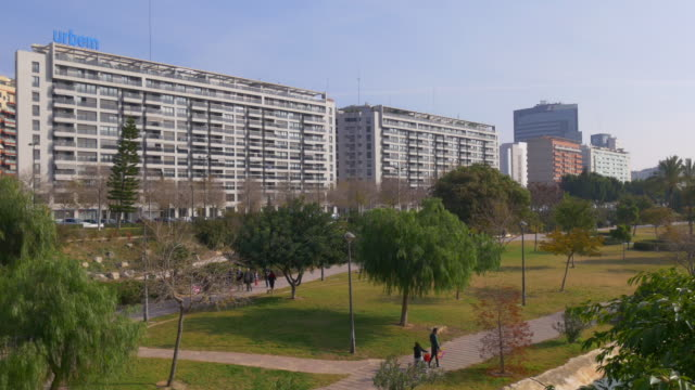 Valencia-luz-de-día-de-la-ciudad-de-arte-Parque-panoramam-4-k-España