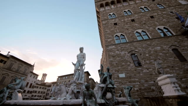 Beautiful-fountain-of-Neptune-in-Florence