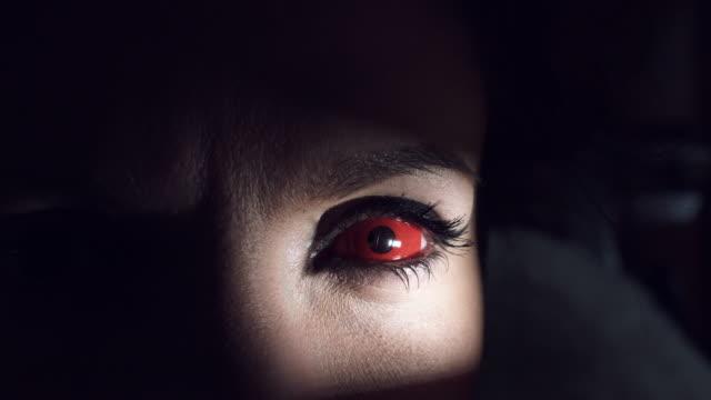 4K-Thriller-Horror-Eye-in-Darkness