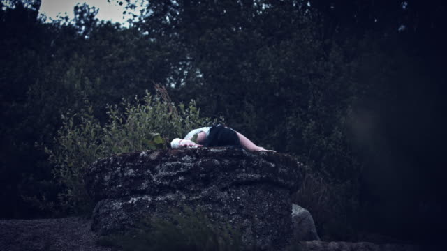 4k-Horror-Woman-in-Dirty-Dress-Crawling-out-from-Well