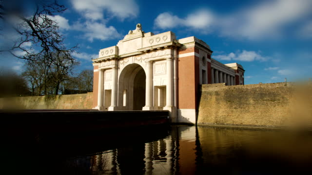 World-war-one-places-of-remembrance-:-Menin-Gate-Memorial-Ypres