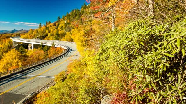 Pintoresca-vista-del-viaducto-de-Linn-Cove-on-Blue-Ridge-Parkway