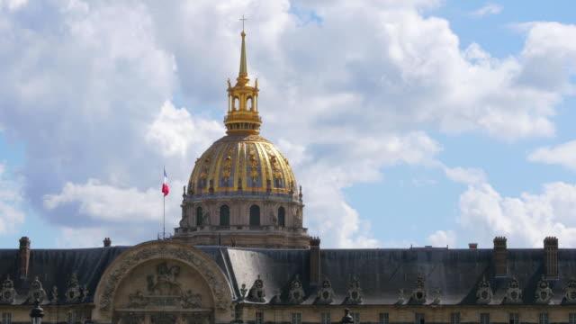 Nacional-vista-de-Hotel-de-los-inválidos-Napoleón-tumba-París-Francia