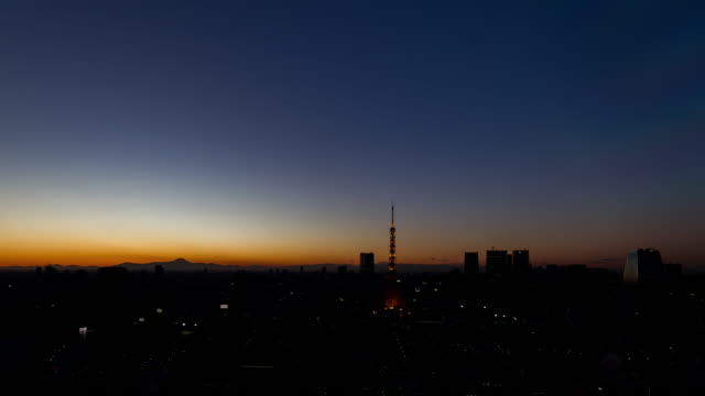 Sun-set-over-the-city-of-tokyo