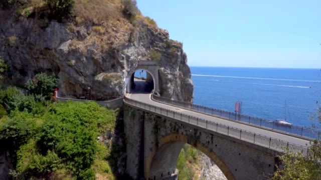 camino-de-la-costa-de-Amalfi-Italia