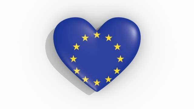 Heart-in-colors-flag-of-Europe-pulses-loop