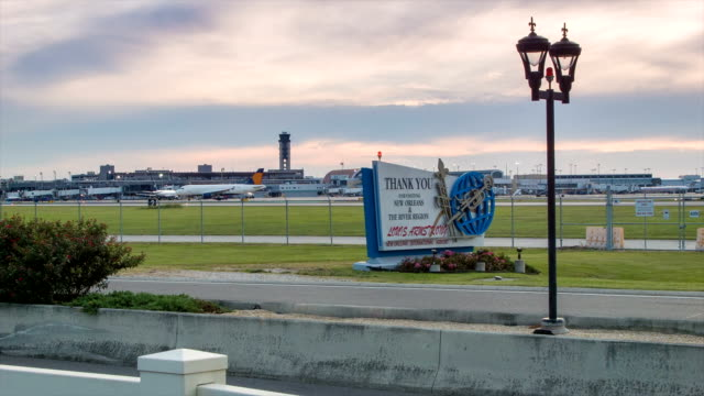 New-Orleans-Airport-MSY-Traffic-at-Dusk