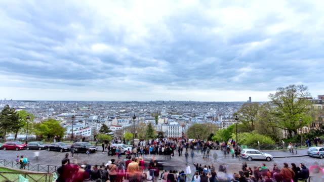 Vista-panorámica-de-París-desde-la-parte-superior-de-montmartre-timelapse