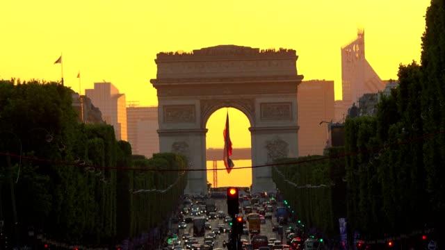 Arc-de-triomphe-Paris-city-at-sunset---Arch-of-Triumph-and-Champs-Elysees
