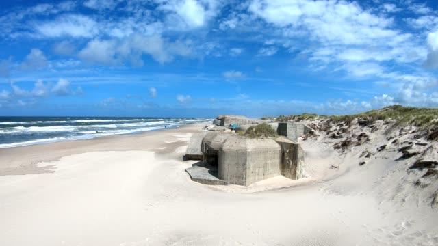 Ruina-del-Bunker-de-hormigón-pared-del-Atlántico-segunda-guerra-mundial-mar-del-norte-monumento-4K