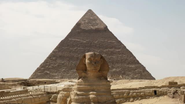 """die-Sphinx-und-die-Pyramide-des-Chephren-in-Gizeh-bei-Kairo-Ã""""gypten"""