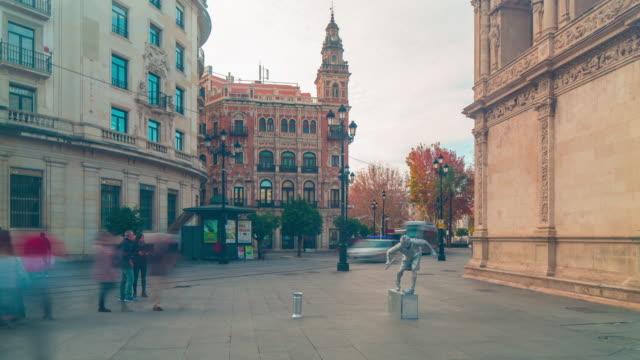 puesta-de-sol-luz-Sevilla-centro-de-la-ciudad-sala-de-estar-4-K-estatua-de-lapso-de-tiempo-de-España