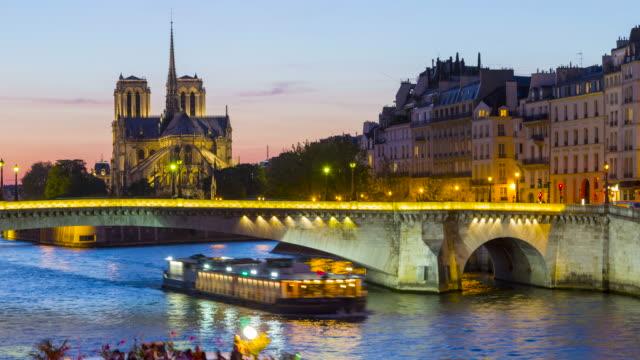 París-Francia-Lapso-de-tiempo-de-la-catedral-de-De-Notre-dame-París