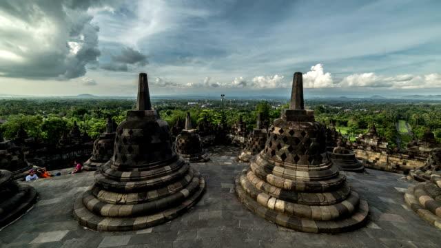 Heritage-Buddist-temple-Borobudur-complex-in-Yogjakarta-in-Java-indonesia-FullHD-Timelapse---Java-Indonesia