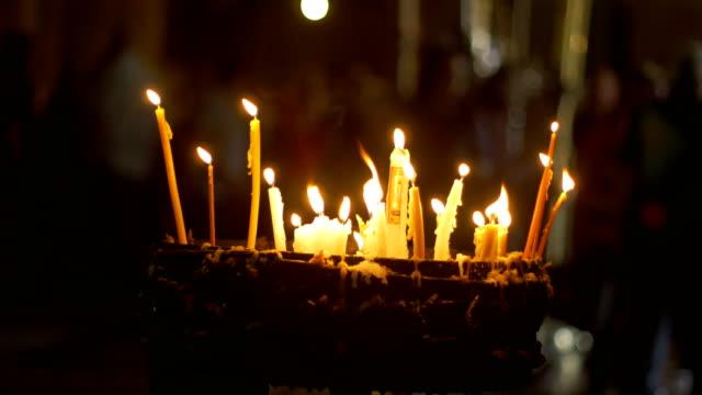 Velas-de-la-iglesia-del-sepulcro-santo-en-Jerusalén