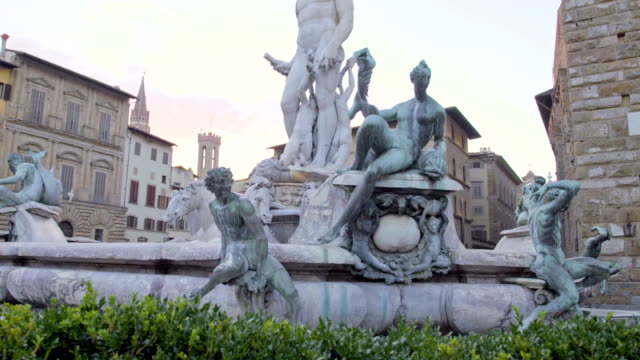 La-hermosa-fuente-de-neptuno-en-Florencia