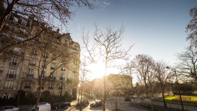 france-paris-famous-tourist-bus-sunset-light-eiffel-tower-street-view-panorama-4k-time-lapse