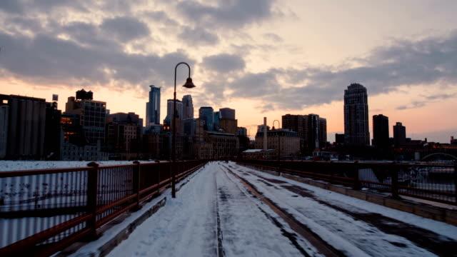 Minneapolis---Historic-Stone-Arch-Bridge---Hyperlapse