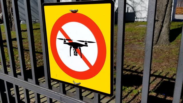 No-drone-sign-at-park-entrance-of-Copenhagen-quadrocopters-prohibition-privacy