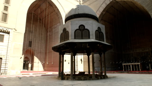 mosque-of-sultan-hassan-in-cairo-egypt