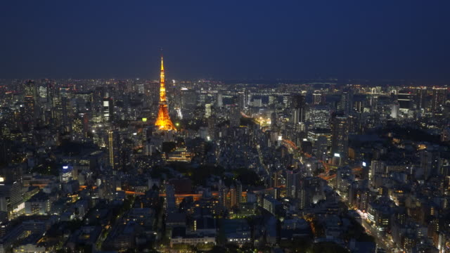 wide-angle-night-view-of-tokyo-tower-from-the-observation-deck-of-the-mori-tower