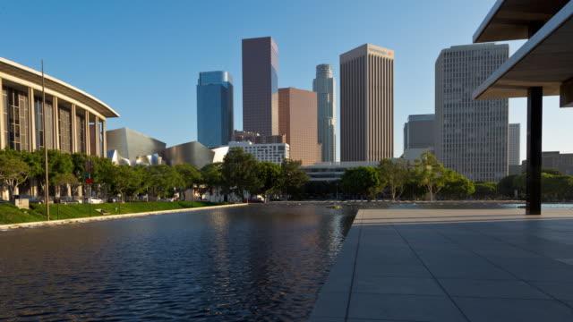 Centro-de-Los-Angeles-y-fuentes-día-Dolly-Zoom-Hyperlapse-Timelapse