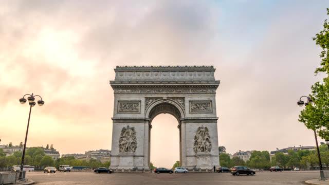 Paris-France-time-lapse-4K-city-skyline-timelapse-at-Arc-de-Triomphe-and-Champs-Elysees