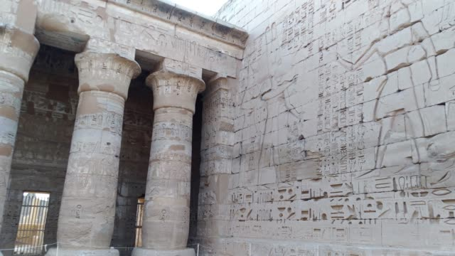 Beautiful-ancient-Temple-of-Medina-Habu-Egypt-Luxor-