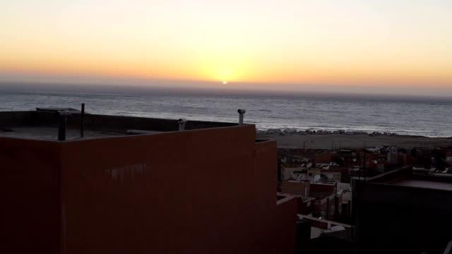 Meer-Sonnenuntergang-in-Marokko