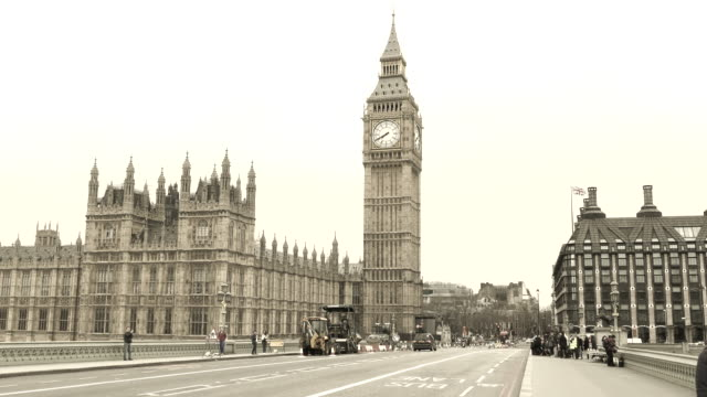Una-vista-mañana-en-el-puente-de-Westminster-Big-Ben-es-un-símbolo-Inglaterra