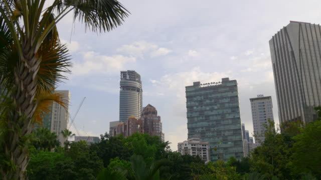 Malasia-la-noche-soleada-klcc-centro-panorama-a-pie-kuala-lumpur