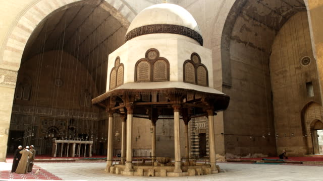 wide-view-of-the-interior-of-the-mosque-of-sultan-hassan-in-cairo-egypt