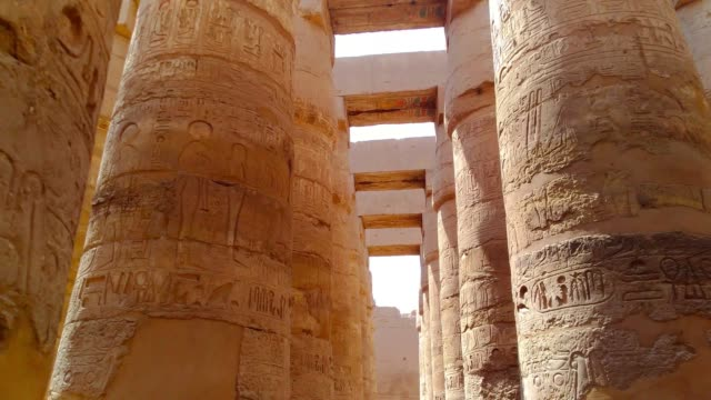 Ruins-of-the-beautiful-ancient-temple-of-Karnak-in-Luxor