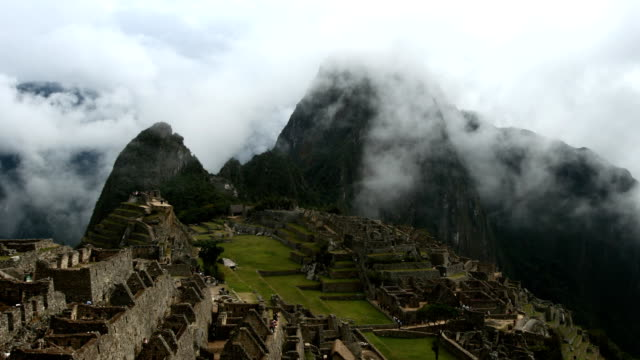 Machu-Picchu-en-las-nubes