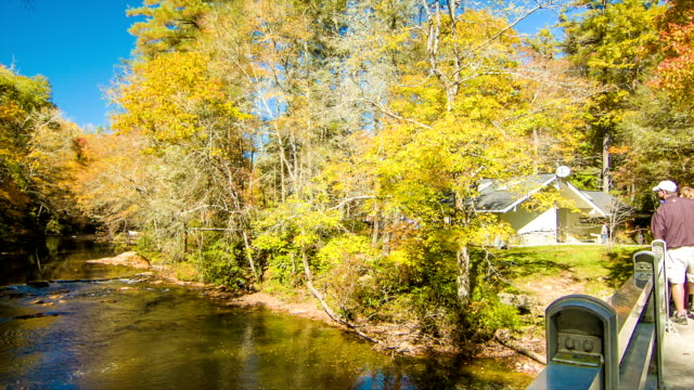 Tourists-Viewing-the-Linville-NC-River-with-Fall-Colors