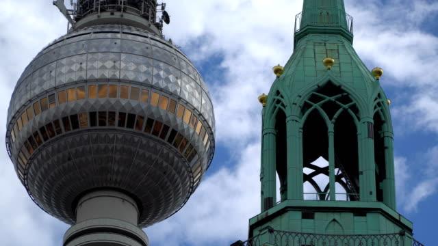 Berliner-Fernsehturm-and-St-Marienkirche-Perspective-view