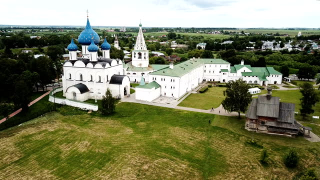 view-of-Cathedral-of-Nativity-of-Virgin-in-Suzdal-Kremlin