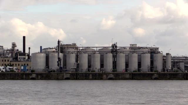 Factory-in-harbor-of-Hamburg-on-the-Elbe-River