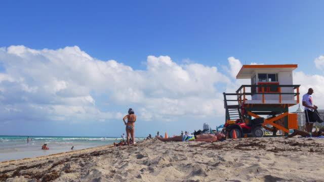 Usa-summer-day-miami-south-beach-lifeguard-tower-view-4k