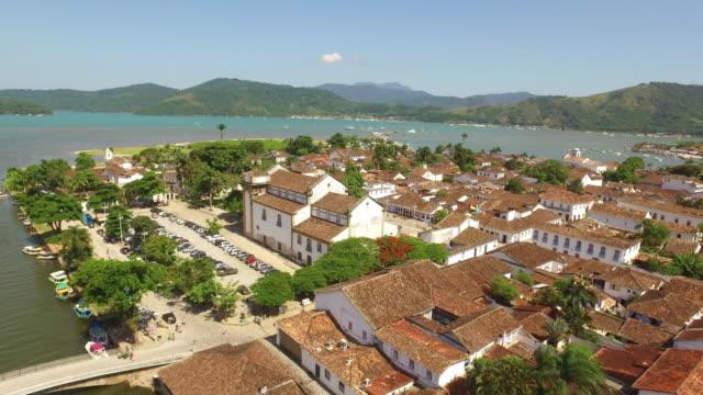 Vista-panorámica-de-Paraty-sitio-declarado-patrimonio-cultural-de-la-humanidad-por-la-UNESCO