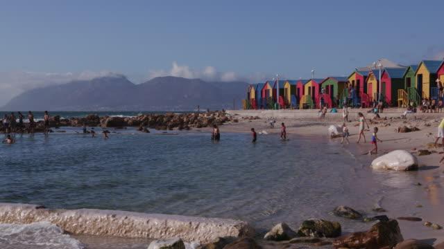 Piscina-de-mareas-de-St-James-playa-de-ciudad-del-cabo
