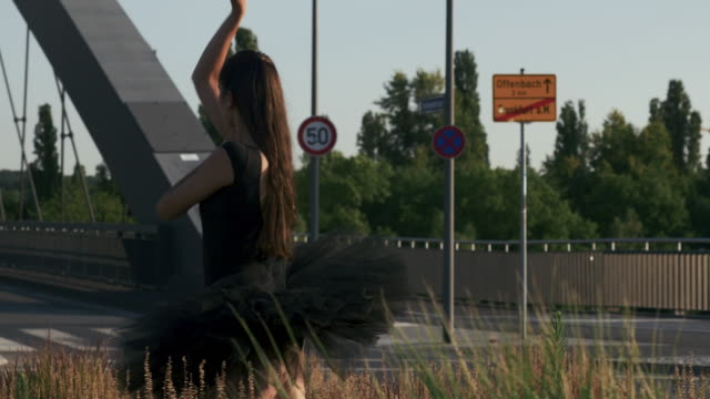 Ballet-Dancer-in-a-Roundabout