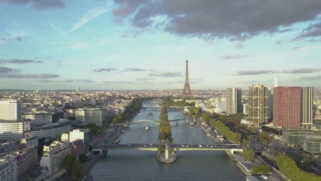 Aerial-footage-of-Paris-with-Seine-River-and-Eiffel-Tower