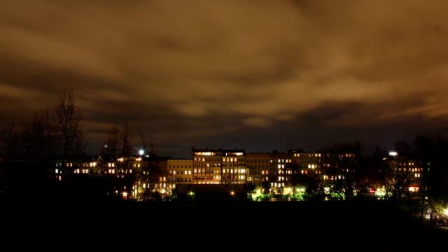 Berlin-Görlitzer-Park-in-night---time-lapse