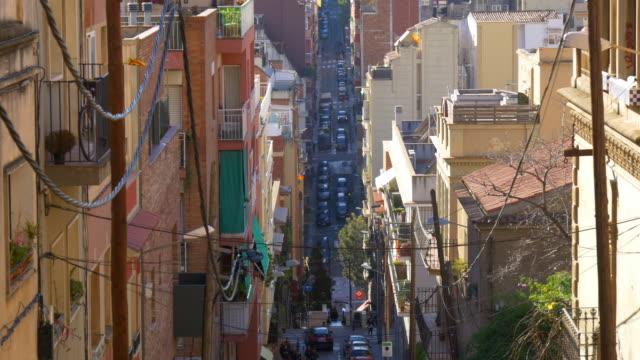 Día-de-barcelona-hill-city-road-vida-4-k-España