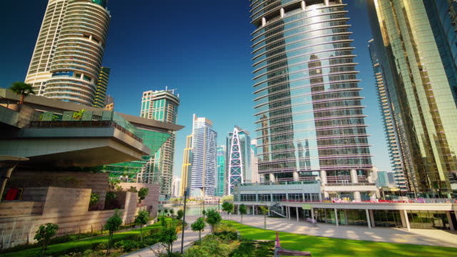 Dubai-marina-jbr-marina-Parque-frontal-panorama-4-tiempo-k-lapso-Emiratos-Árabes-Unidos