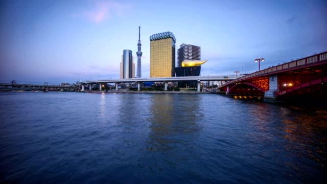 sunset-day-to-night-at-Tokyo-city-skyline-Tokyo-Sky-Tree-Sumida-River